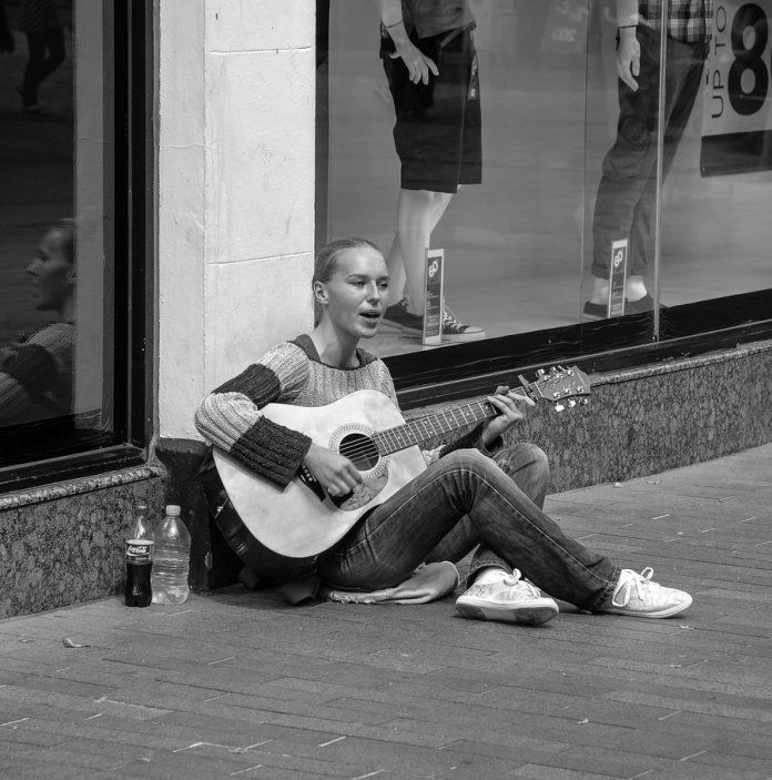 Lady Busker by daliscar. You can view more of Chris's work here.